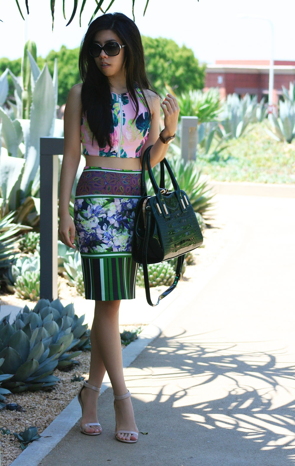 Adrienne Nguyen_Lookbook_Summer Vibes_Beach Babe_How to wear a crop top with a pencil skirt