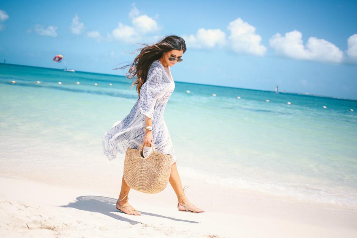 Gaya Fotodi Pantai model seksi horison miring