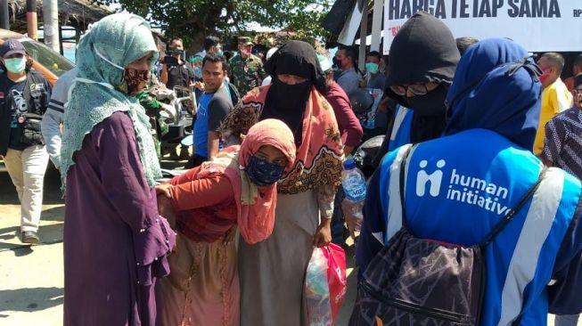 7 Bulan Lamanya Terombang-ambing di Lautan, 295 Imigran Rohingnya Terdampar di Aceh