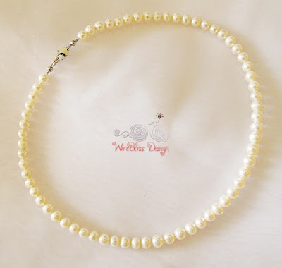 Single strand Pearl Necklace by WireBliss