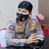 Kabid Humas Polda Sulsel, Polisi Bagi Sembako Saat Lakukan Penyekatan Lalin Selama PPKM, Sangat  Berarti Bagi Masyarakat