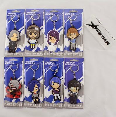 Komplet ośmiu zapakowanych breloków do kluczy z Tokyo Ghoul