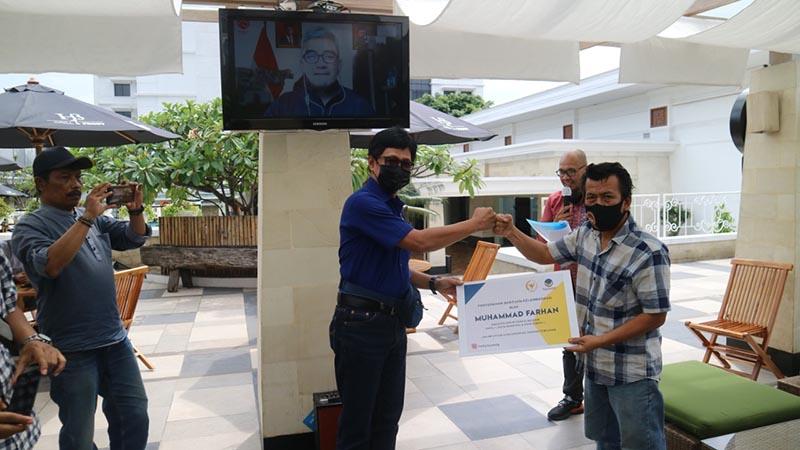 Muhammad Farhan Lakukan Kudapil Sekaligus Gelar Rapid Test dan Beri Bantuan Kelembagaan