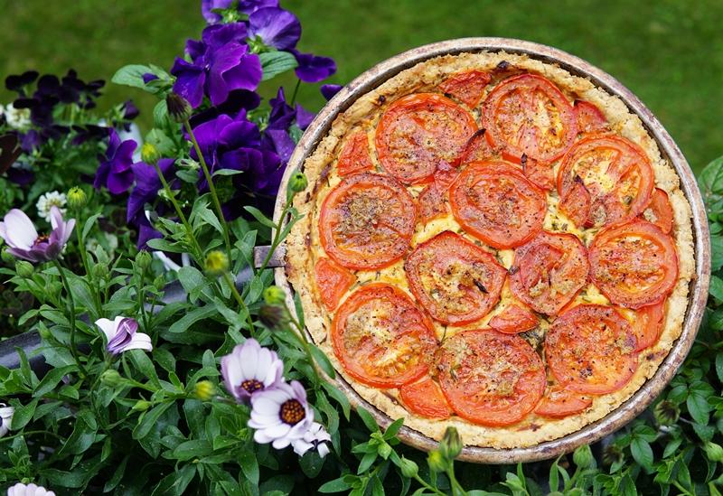 tomaattiruoka, tomaattipiirakka, Jukolan juusto