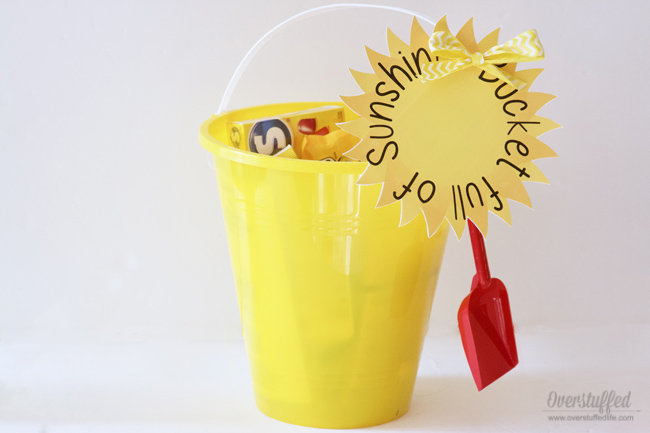 A Bucket Full of Sunshine—an adorable gift idea! Just fill up a yellow bucket with yellow goodies from Dollar Tree and use this free printable to make someone's day brighter!