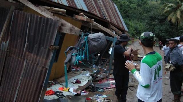FPI Makassar Evakuasi Korban di Desa Sapaya Kab. Gowa