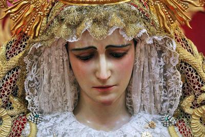 Nuestra Madre y Señora María Santísima del Amparo por la Calle Nueva. Semana Santa de Cádiz 2019