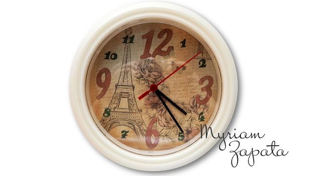 Reloj de pared personalizado por Myriam Zapata