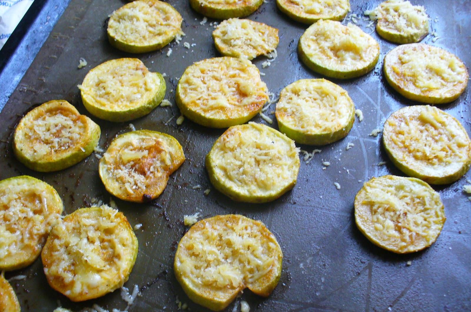 кабачки запеченные с сыром на противне