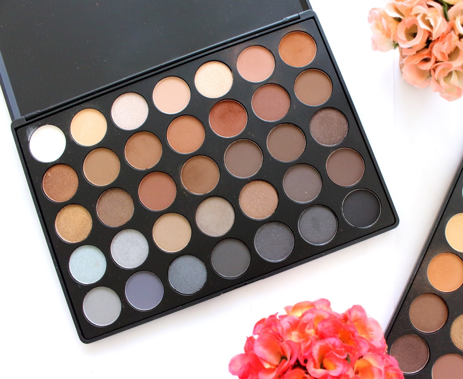 Morphe 35k eyeshadow palette review beauty in bold - Again The Quam That I Have With The 35o Palette Packaging Applies Also To This Palette It Has No Mirror It Is Large And It Is Light And Therefore