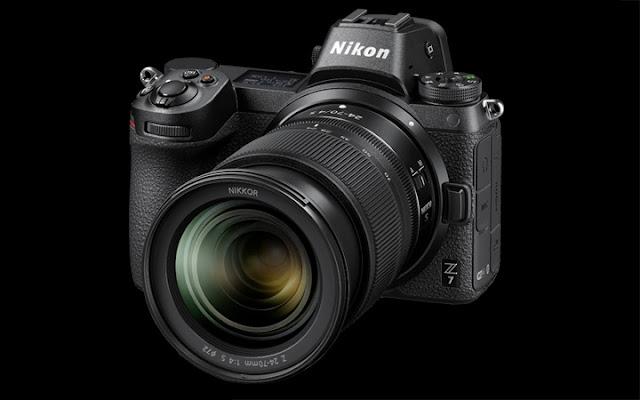 Nikon Z7 dengan lensa Nikkor Z