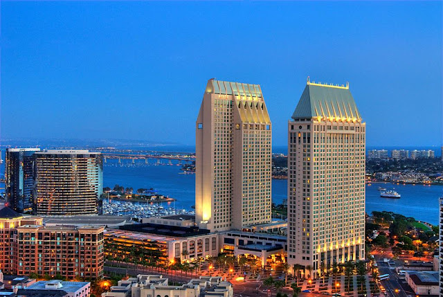 When you stay at the Manchester Grand Hyatt San Diego, discover the vibrant culture and natural beauty of Southern California. This convenient hotel near downtown San Diego offers a spectacular waterfront resort-like setting, complete with shopping, dining, and entertainment venues.