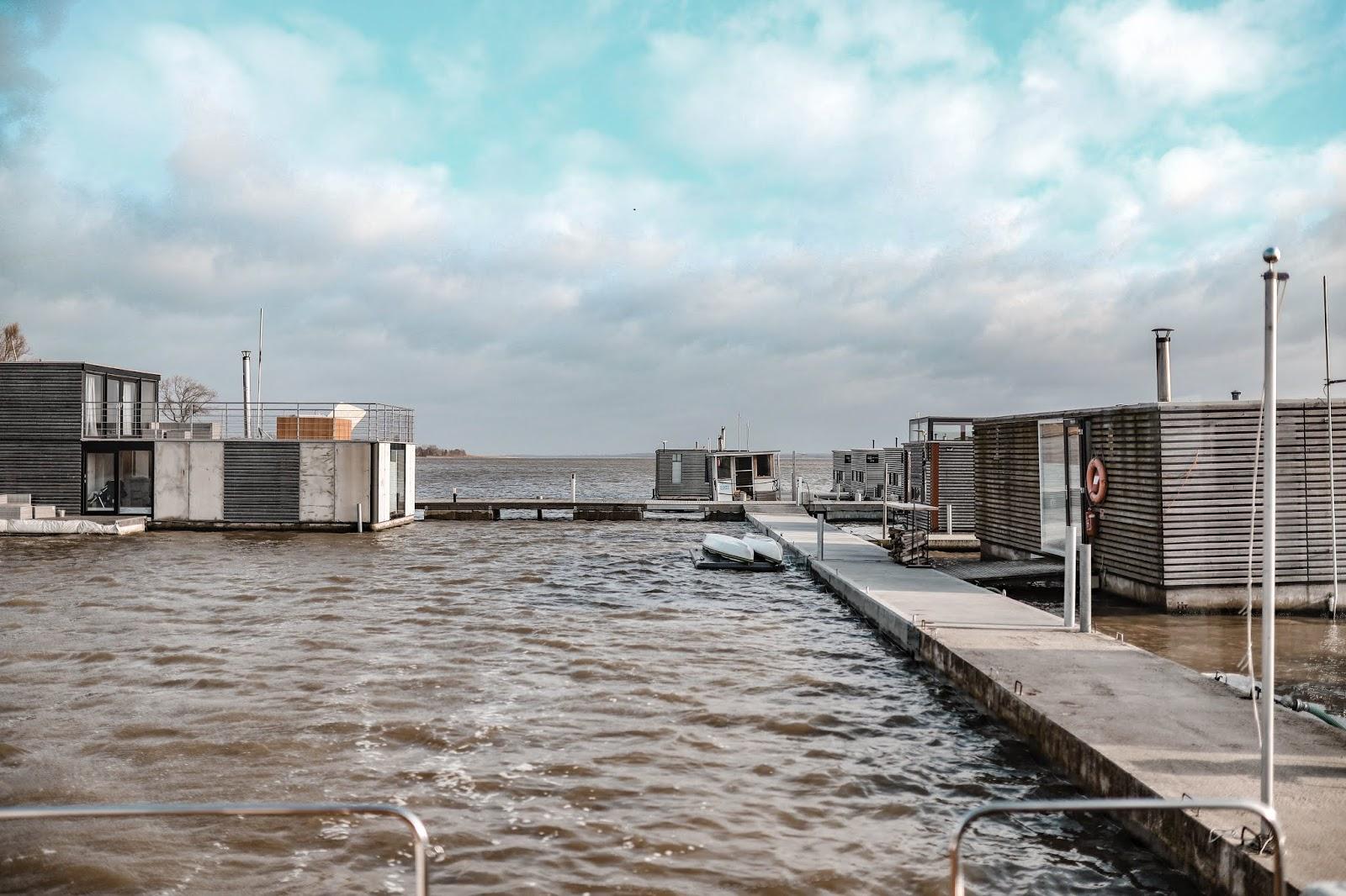 HT HOUSEBOATS domki na wodzie - pomysł na weekendowy wyjazd
