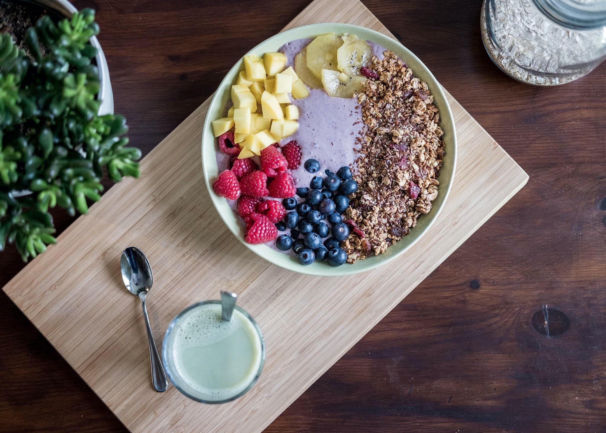 membiasakan anak makan sehat