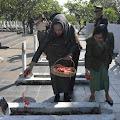 Bupati Cellica Ziarah ke Makam Pahlawan
