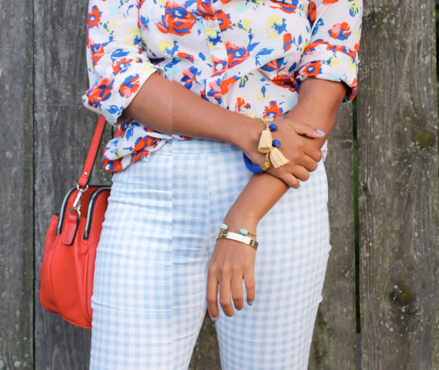 mix-prints-outfit-floral-plaid-pants