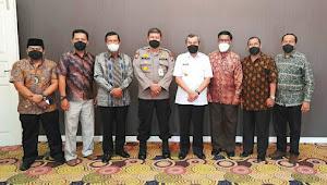 Petinggi IKLA Riau Silaturahmi ke Gubri, Hanafi: Kami Minta Pak Gubernur sebagai Pelindung