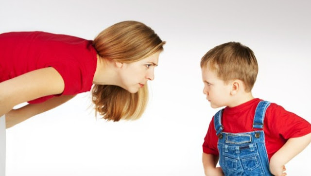 Πώς θα μιλήσετε στο παιδί σας για τη βία