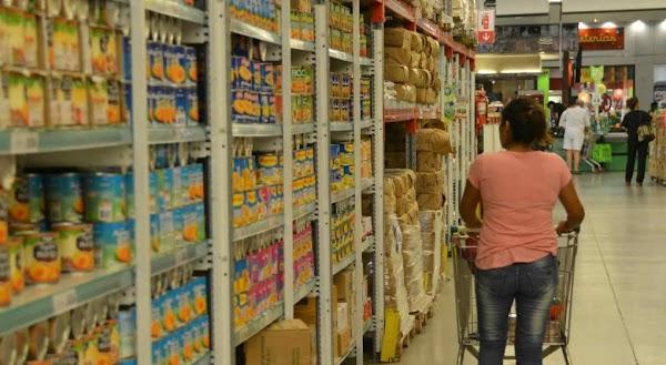 Inflación: pesar de la eliminación del IVA, los precios se dispararon un 17 por ciento en agosto