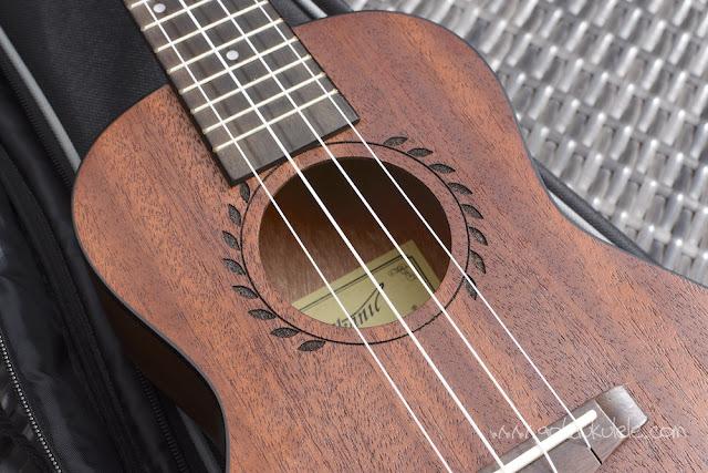 Makanu Mahogany Concert Ukulele sound hole