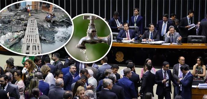 PRIVATIZAÇÃO DO SANEAMENTO BÁSICO NO BRASIL: Câmara aprova projeto que abre caminho para privatização da água.