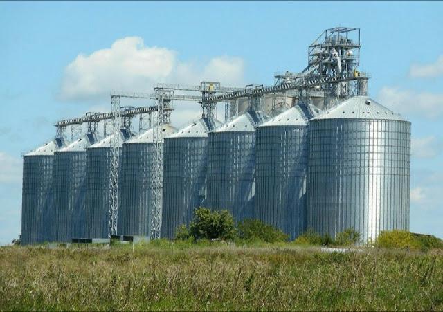 "Alt: = "" photo of silos"""