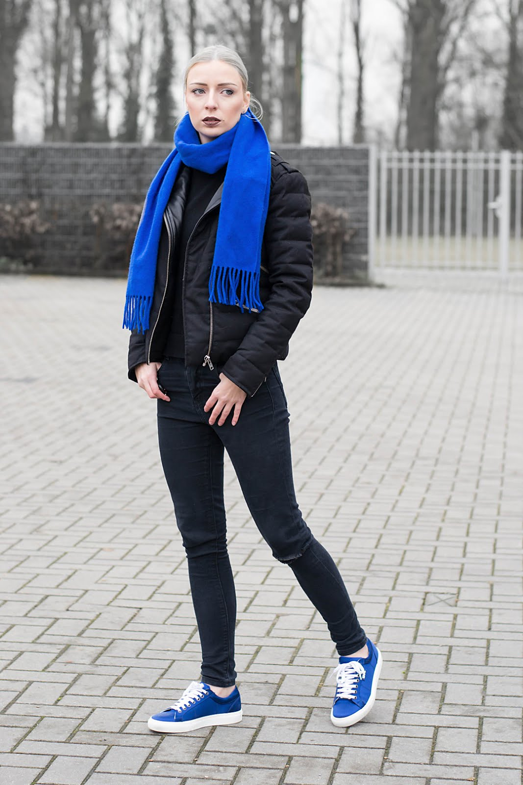Black Outfit, cobalt blue accessoiries. Wearing karl lagerfeld sneakers and the kooples jacket