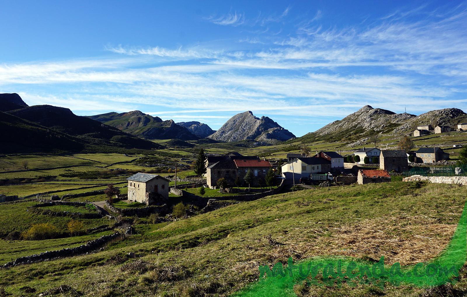 pueblo de montaña en Somiedo