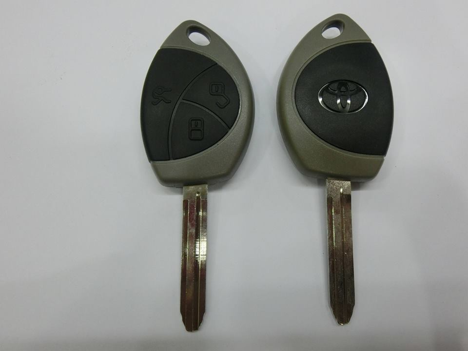 Eclipse Hardware & Locksmith Trading: Toyota Remote Key & Lockset