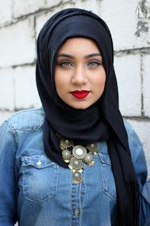 Model Hijab Hitam Modern