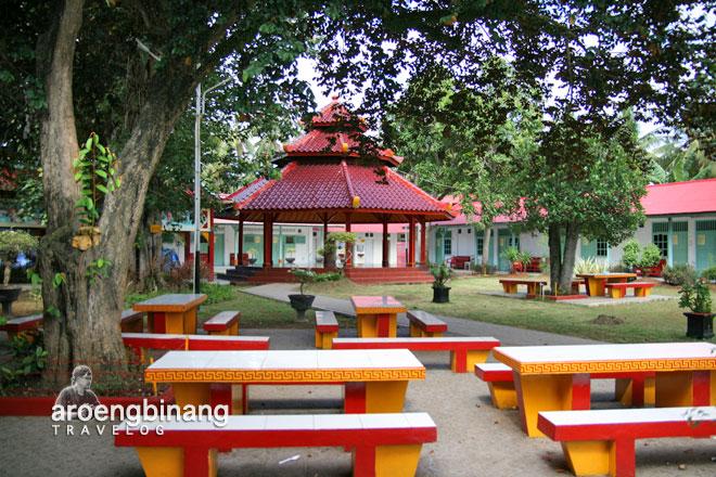 halaman belakang vihara avalokitesvara serang banten