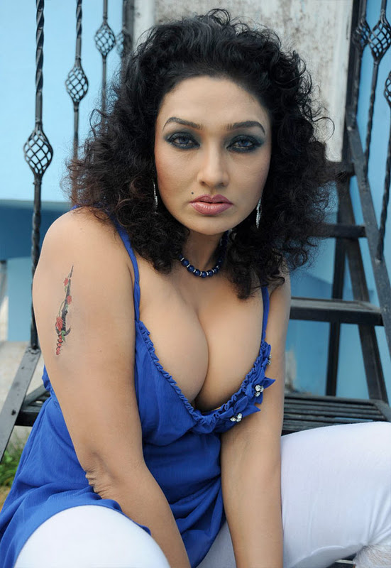 Sexy Actress Gallery Ramya Sri Hot Exposing Boobs Pics