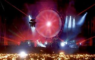 Imagen de la gira Delicate Sound of Thunder que muestra el increíble escenario de Pink Floyd