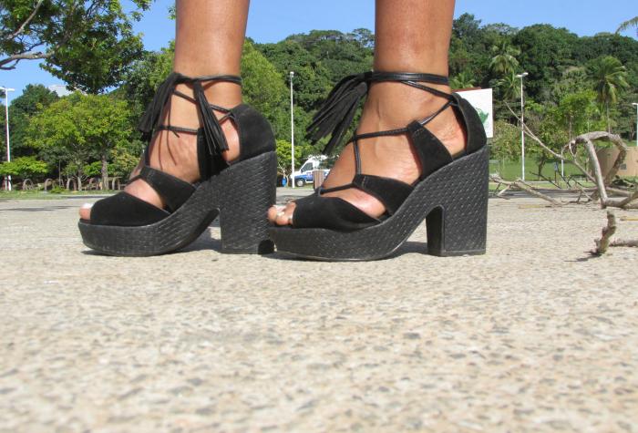 sandália de amarrar, sandália de salto moleca, parque da cidade