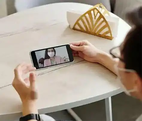 How to video call on Android to iPhone