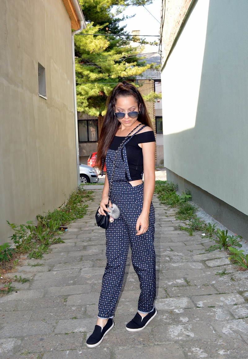 outfit styling black crop top and stradivarius dungarees