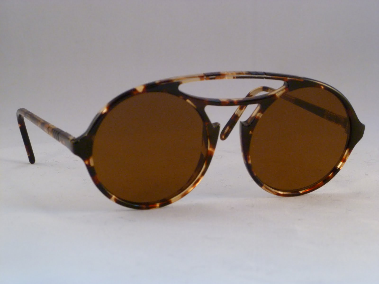 3086d78662 Persol Meflecto RATTI unique with flush curve-less flat classic glass brown  sunlens and Victor Flex brow bar. One available