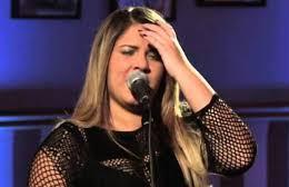 Marília Mendonça lança clipe de O que é que você viu em mim