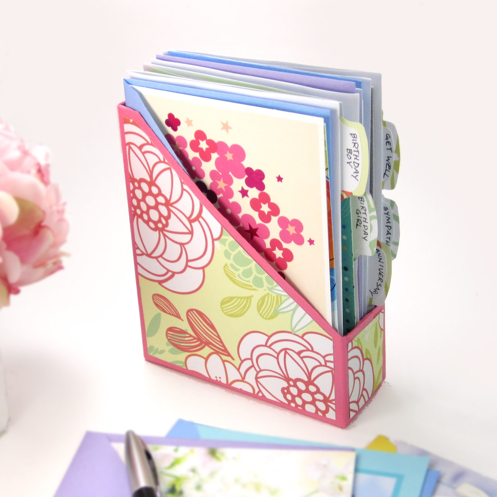 5 Designs: DIY Greeting Card Organizer