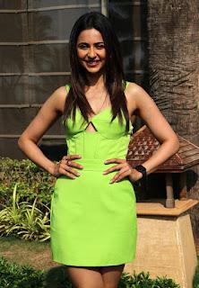 Beautiful Indian Girl Rakul Preet Singh Long Cross Legs In Green Top (4)