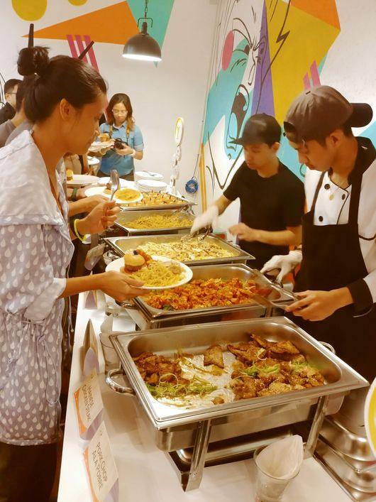 Y Café food event