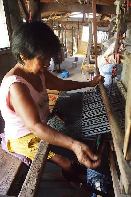women weaving ilokos textile traditional abel iloko binakul