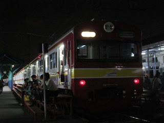 Nih Dia Perjalanan Commuter Line Tambahan di Malam Tahun Baru 2017