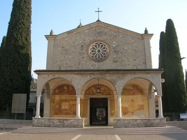 Santuario della Madonna del Frassino, Peschiera del Garda, Lake Garda | Veneto, Italy | source: Wikimedia