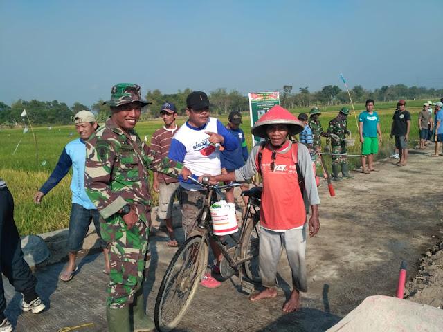 Petani Jimbung Gembira Telah Dibuatkan Jembatan Dan Jalan Yang Layak Oleh TNI