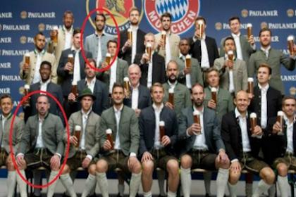 Subhanallah, Dua Pemain Muslim Bayern Enggan Pegang Bir