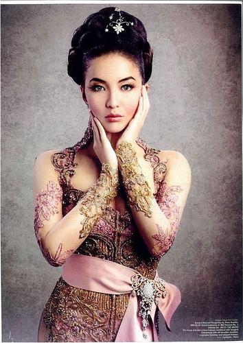 manohara odelia pinot lahir di jakarta 28 februari 1992 adalah seorang model indonesia memiliki darah campuran amerika serikat dan bugis