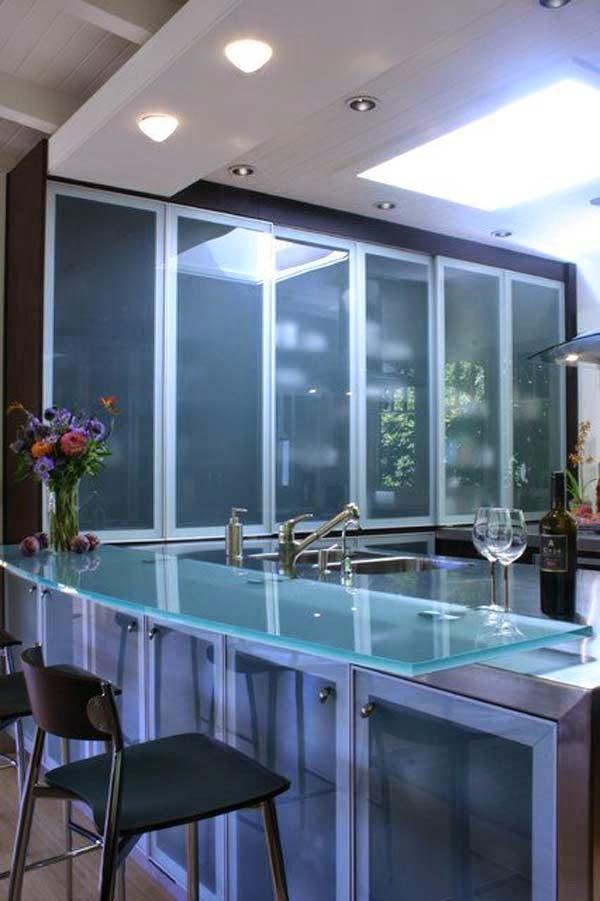 Modernos y elegantes muebles de cocina con vidrio cocina for Muebles de cocina elegantes