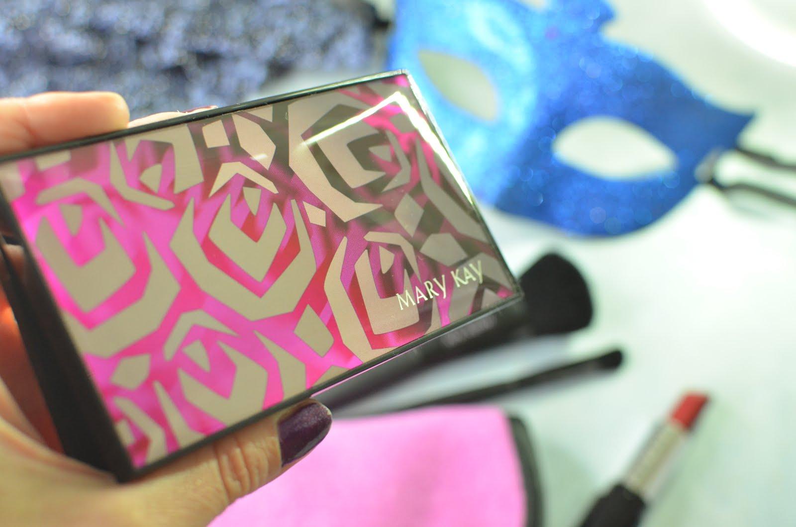 MARY KAY Perfect Palette, тени ChromaFusion, румяна, кисти и макияж
