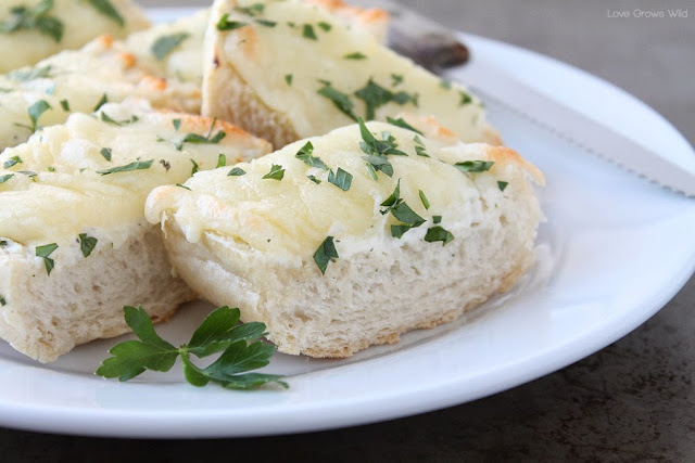 This Ranch Bread is the perfect, easy appetizer for your next party of the big game! SO addicting! at LoveGrowsWild.com